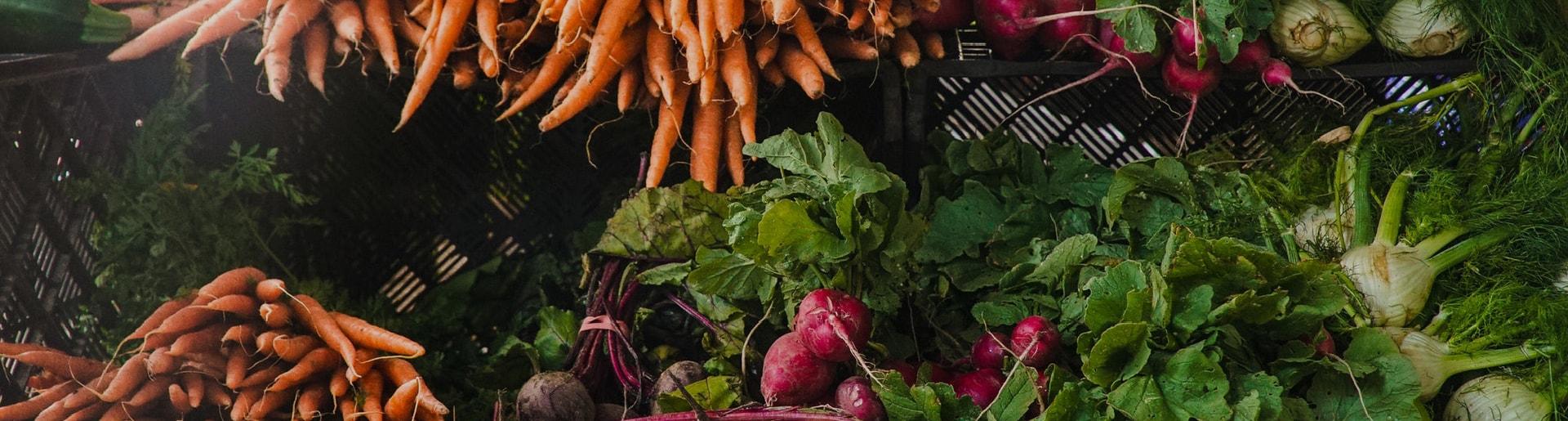 veggies at a farmers market